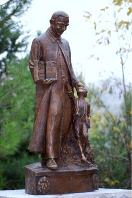 Statua in bronzo di San Orione
